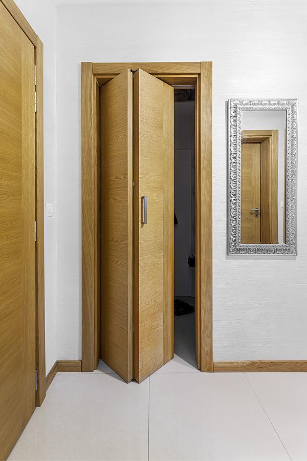 Сгъваема врата от масив